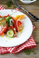 Diät-Salat mit Gemüse