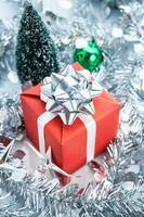 rote Geschenkbox