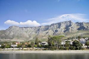 Blick auf den Tafelberg vom Stausee foto