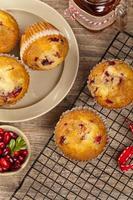 Muffins mit Preiselbeeren foto