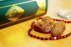 Dattelpalme mit Koran foto