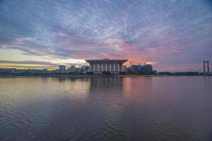 Sonnenaufgang in der Eisenmoschee, Putrajaya Malaysia foto