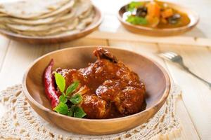 indisches Curry Huhn. foto