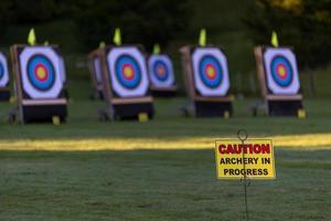 Warnung am Bogenschießen Feld foto
