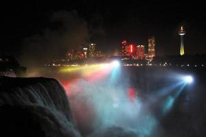 Niagara fällt nachts foto