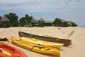 Kajaks auf der Insel Savala foto