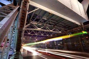 historische Brücke der Nacht foto