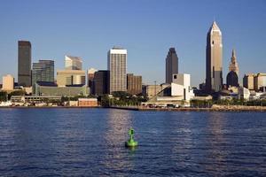 Tagesansicht der Innenstadt von Cleveland vom Meer