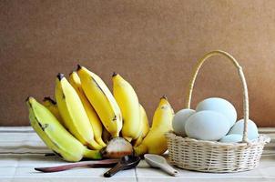 Eier und Bananen foto
