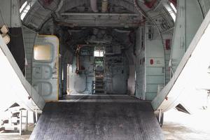 Frachtraum des Militärtransports foto