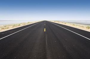 Straße zum großen Salzsee, Utah, USA foto