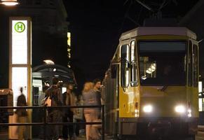 Straßenbahn Haltestelle foto