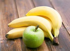 Apfel und Bananen foto