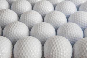weiße Golfbälle foto