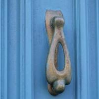 blau graue Tür foto