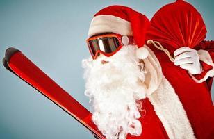 Santa mit Ski foto