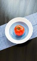 Essen. Gemüse. Tomate.