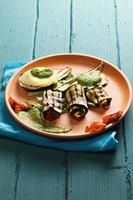 Gegrillte Auberginen und Tomaten foto