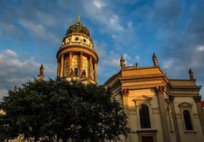 deutsche kathedrale am gendarmenmarktplatz in berlin, deutschland foto