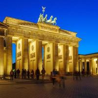 brandenburger tor nachts, berlin, deutschland foto