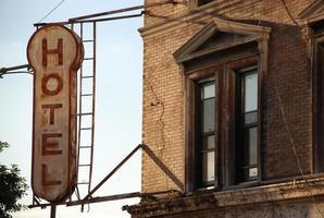 altes hotel schild foto