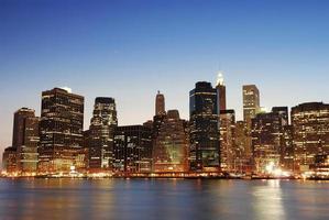 New York City in der Abenddämmerung foto