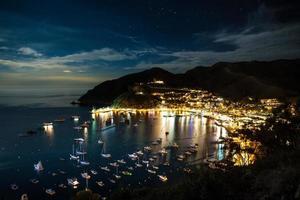 Avalon Hafen in der Nacht foto