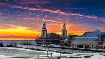Marine Pier bei Sonnenaufgang foto