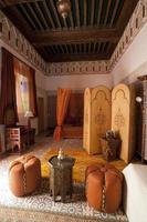 schönes authentisches arabisches Schlafzimmer in Marrakesch Marokko foto