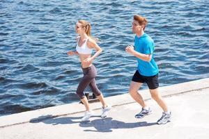 zusammen joggen. foto