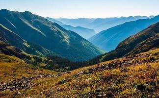 hoch über 13.000 Fuß über dem Meeresspiegel felsiger Berg hoch