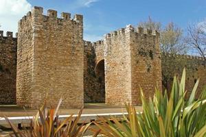 gewölbter Eingangsbereich in Lagos, Algarve, Portugal foto