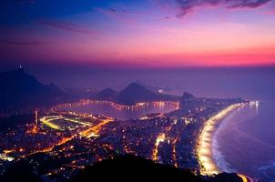 Sonnenaufgang am frühen Morgen in Rio de Janeiro