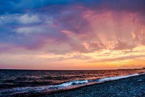 dunkler Sonnenuntergang foto