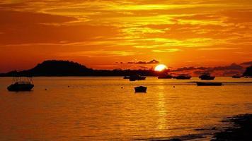 wundervoller Sonnenuntergang foto