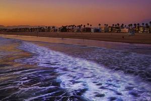 Sonnenuntergang am Strand von Venedig foto