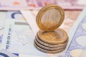 Geld Euro Münzen und Banknoten foto