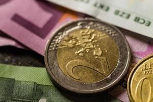 Euro-Münzen und Banknoten Geld. foto