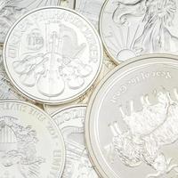Stapel Silbermünzen foto