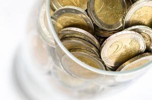 Münzen in Glas