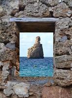 Cala Benirras in Ibiza, Spanien foto