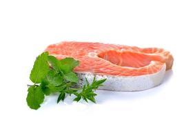 frisches Lachsfilet mit Gemüse foto