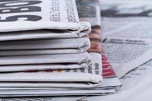 Zeitungen schließen foto