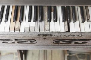Klaviertaste aus der Nähe foto