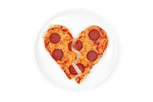 Pizza mit gebrochenem Herzen