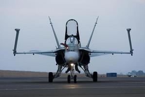 f / a-18 Super Hornet Frontal foto