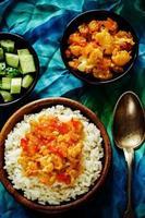 Reis mit Curry Blumenkohl foto