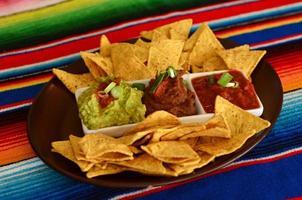 mexikanisches Essen - Nachos foto