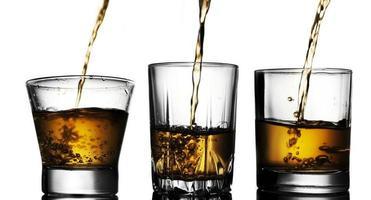 Whisky einschenken foto