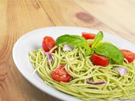 Lasagne, italienische Pasta, Tomatenscheibe foto